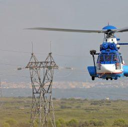 helicoptero-sobre-linhas-transmissao